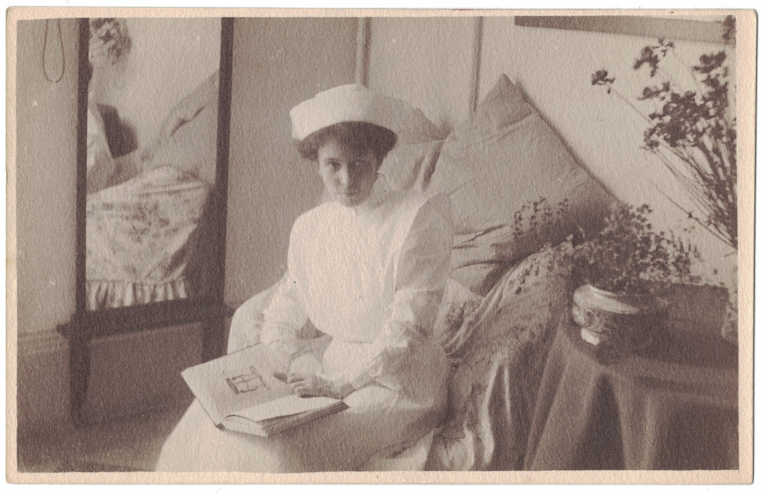 Lillian Burkitt as she trained to be a nurse in Rome, around 1912 - Image Credit Lesley Cain, Jane Wood & Lauren Hall ( Great, Great / Great Nieces )